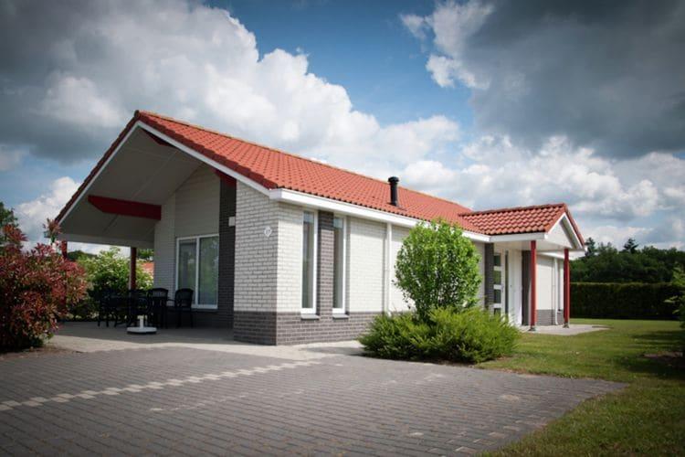 Heino Vakantiewoningen te huur Vrijstaande bungalows met riante tuin, op vakantiepark met zwembad