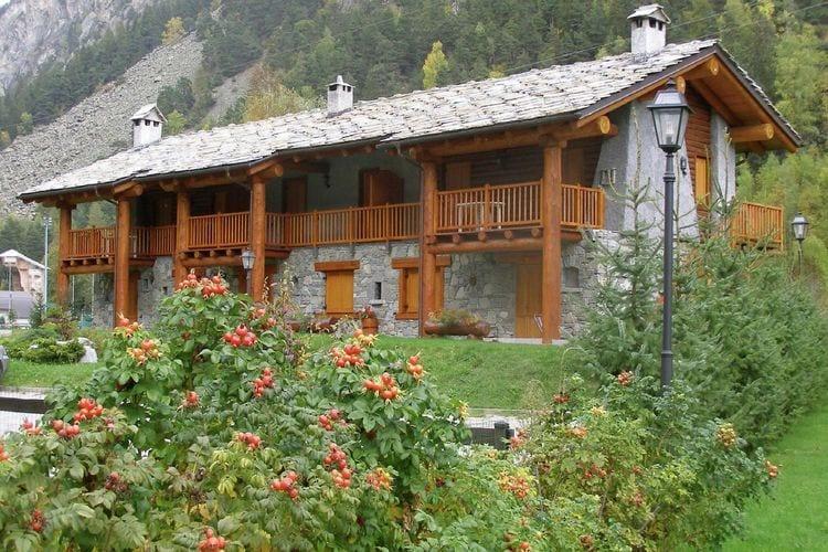 Chalet huren in Val-daosta -   met wifi  voor 5 personen  Het chaletdorp ligt in een rustige..