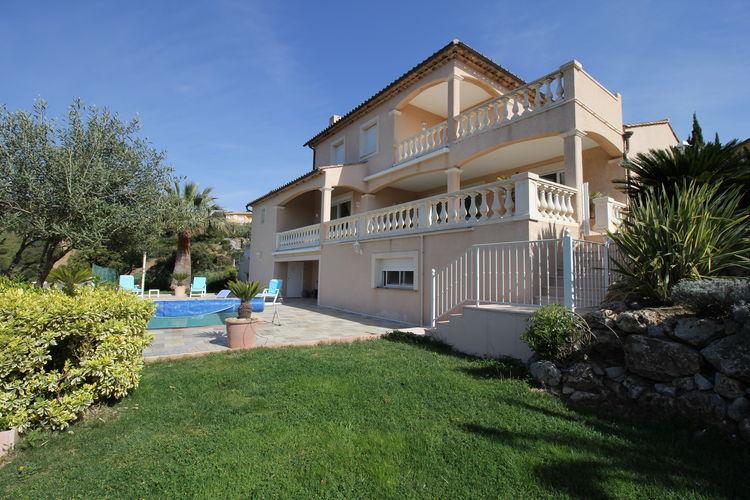 Les-Issambres Vakantiewoningen te huur Mediterrane villa met airco en privézwembad, weids uitzicht, op 1km van de zee