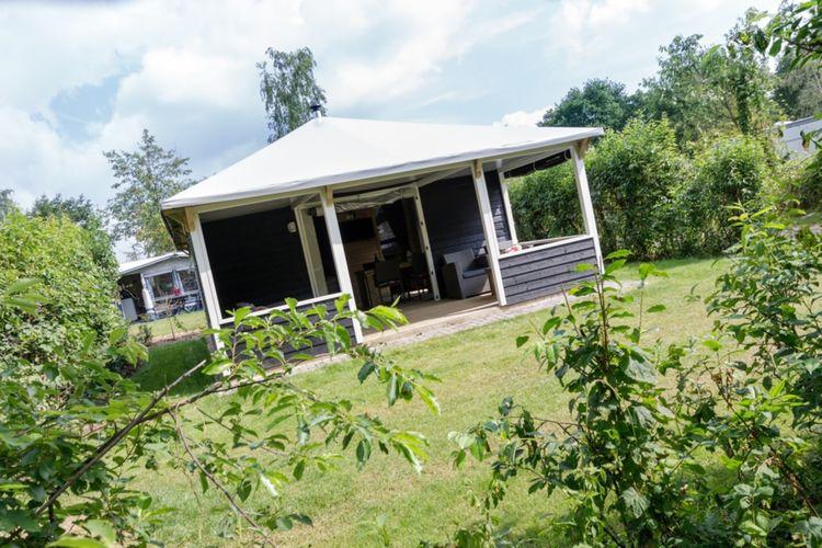 Vakantiehuis met zwembad met wifi  IJhorstVakantiepark de Vossenburcht 4