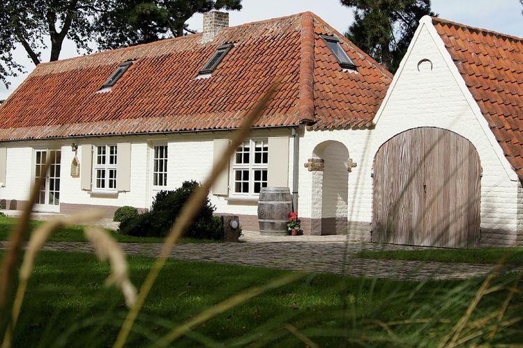 Luxe vakantiehuis met grote tuin, sauna en niet ver van het strand van Koksijde