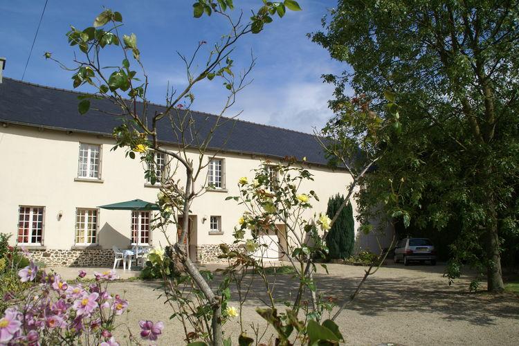Bretagne Vakantiewoningen te huur Vakantiehuis met drie slaapkamers en tuin in natuur van cultuurrijk Bretagne