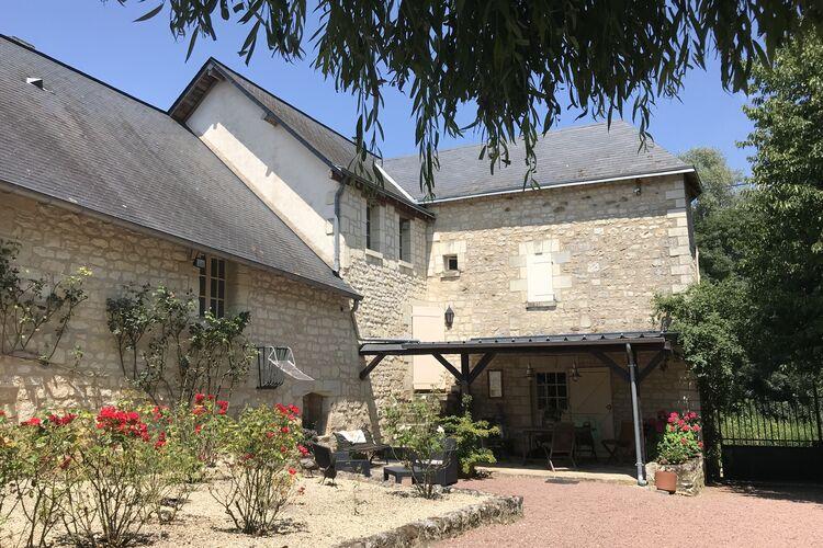 Woning Frankrijk | Region-Centre | Vakantiehuis te huur in Cinais met zwembad  met wifi 3 personen