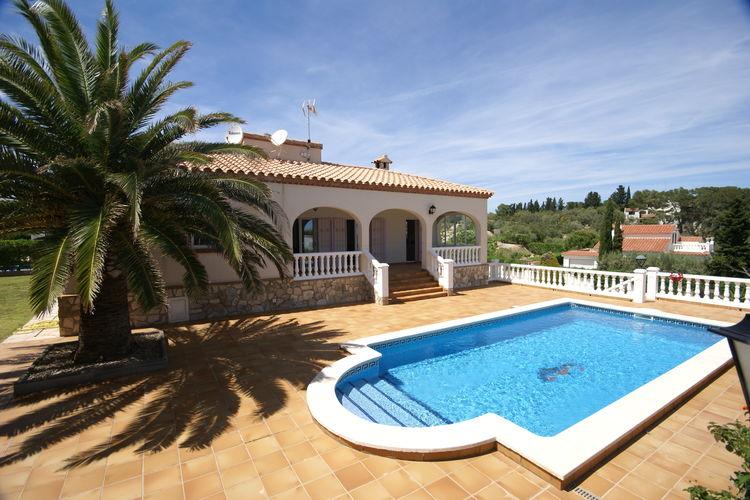 Costa Dorada Villas te huur Schitterende vakantiewoning op 100 meter van het strand met privezwembad en tuin