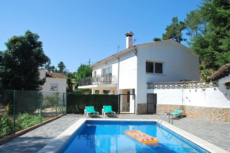 Villa huren in Lloret-de-mar - met zwembad  met wifi met zwembad voor 10 personen  In het groene achterland van Llore..
