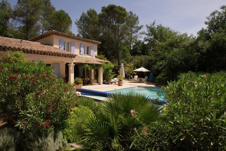 Lorgues Vakantiewoningen te huur Fraai gelegen villa met privé-zwembad, in de bossen bij het mooie dorp Lorgues.