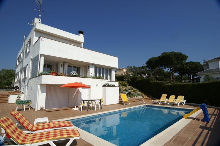 Blanes Vakantiewoningen te huur Ruime vakantievilla met privé-zwembad en verschillende terrassen in Blanes
