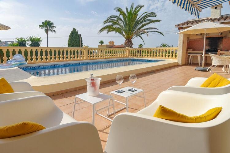 Villa met zwembad met wifi  MorairaCasa d Aaz