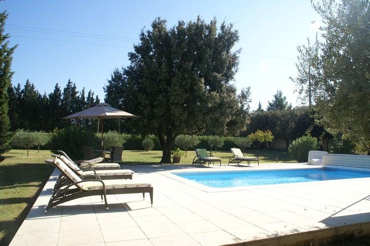 Villa met zwembad met wifi  SorguesVilla Sorgues