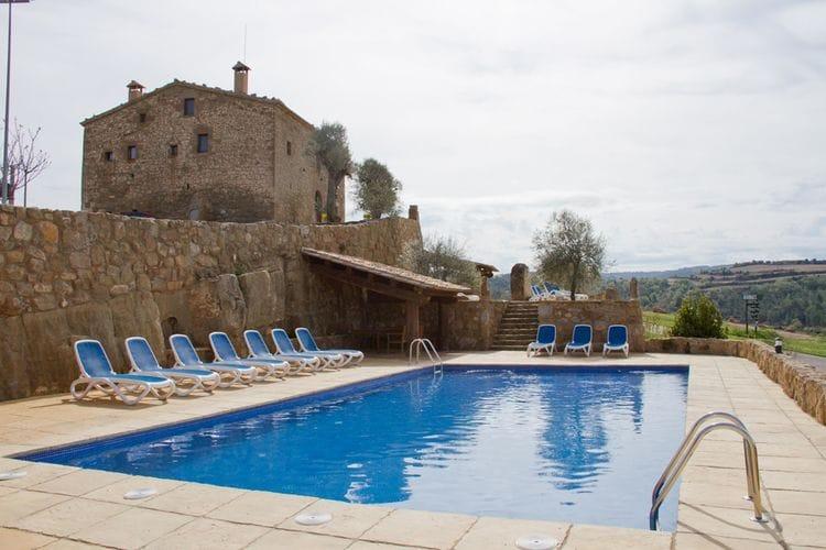 Catalunia Villas te huur Vakantiehuis in binnenland van Catalonië met enorm zwembad op landgoed