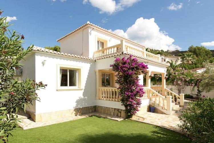 Villa met zwembad met wifi  MorairaVilla Junique