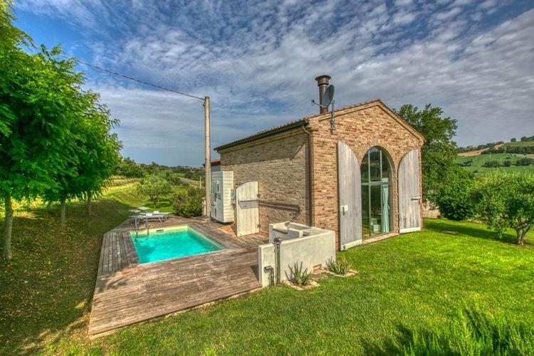 Vakantiehuizen Italie | Marche | Vakantiehuis te huur in Morrovalle met zwembad  met wifi 2 personen