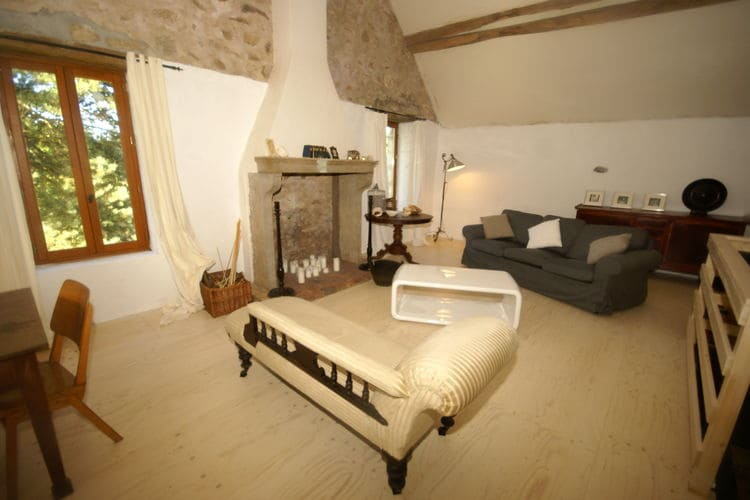 vakantiehuis Frankrijk, Bourgogne, Montigny vakantiehuis FR-89630-01