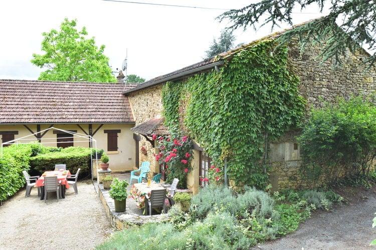 Vakantiehuis met zwembad met wifi  Villefranche-du-PerigordMaison de vacances  Prats du Périgord 8p