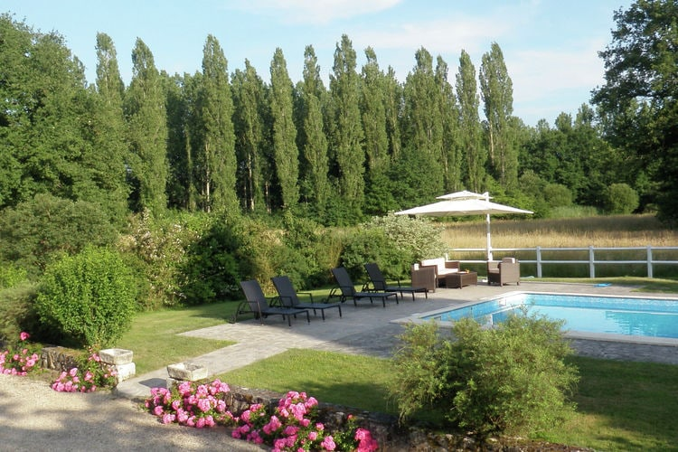 Vakantiehuis met zwembad met wifi  Region CentreMaison de vacances Combreux