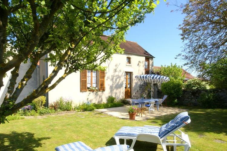 Bourgogne Vakantiewoningen te huur Fraai gerenoveerd vakantiehuis met talloze voorzieningen nabij Marcenay