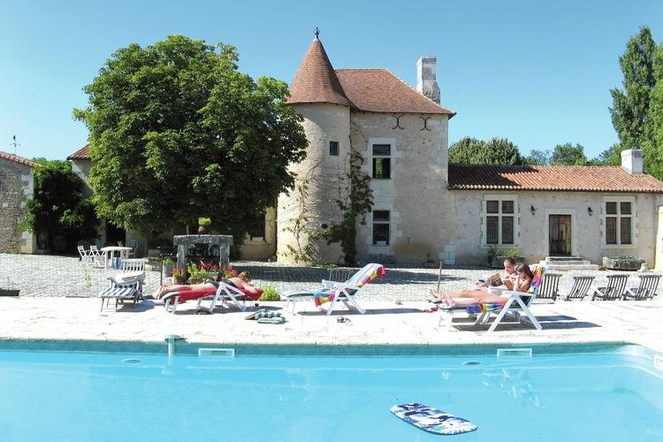 Frankrijk | Pays-de-la-loire | Vakantiehuis te huur in Lencloitre met zwembad   10 personen