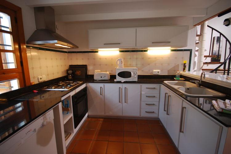 Ref: ES-07460-16 3 Bedrooms Price