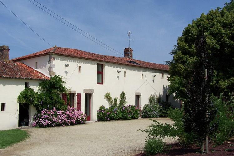 Frankrijk | Pays-de-la-loire | Vakantiehuis te huur in Les-Brouzils met zwembad  met wifi 8 personen