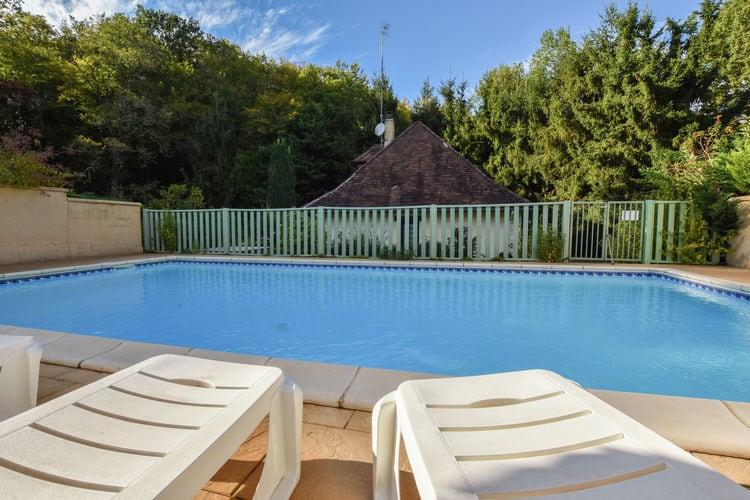 Vakantiehuis met zwembad met wifi  DordogneMaison avec piscine privée