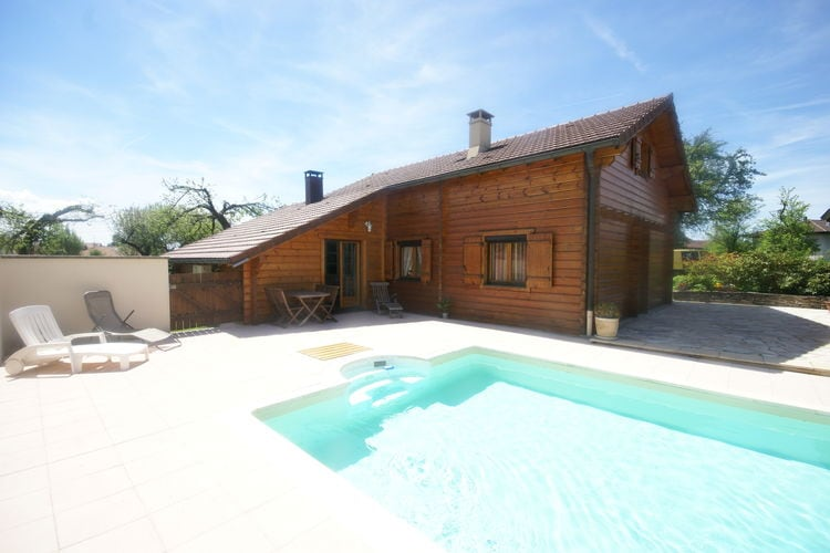 Chalet met zwembad met wifi  Abbévillers  Grote chalet met tuin en privézwembad in klein dorpje in Oost-Frankrijk
