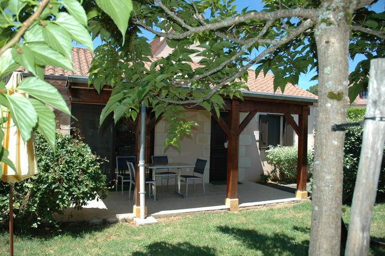 Vakantiehuis met zwembad met wifi  Castelnaud-La-ChapelleParc Les Marrons Hyacinth/Tournesol
