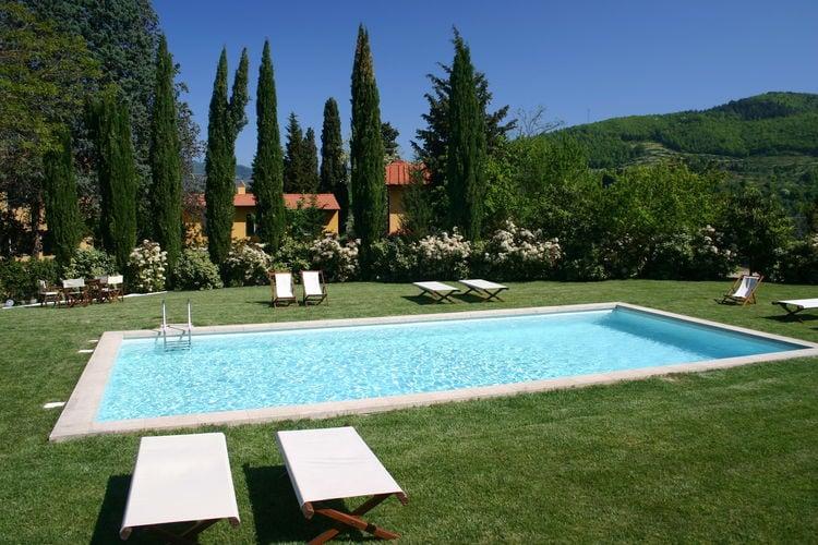 Rufina Vakantiewoningen te huur Sfeervolle villa met omheinde privétuin en zwembad, in een groene omgeving