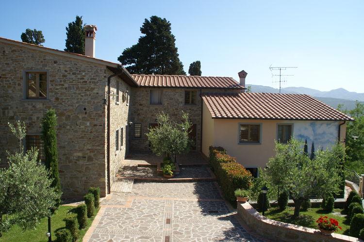 Italie   Toscana   Vakantiehuis te huur in Montecarelli met zwembad  met wifi 4 personen