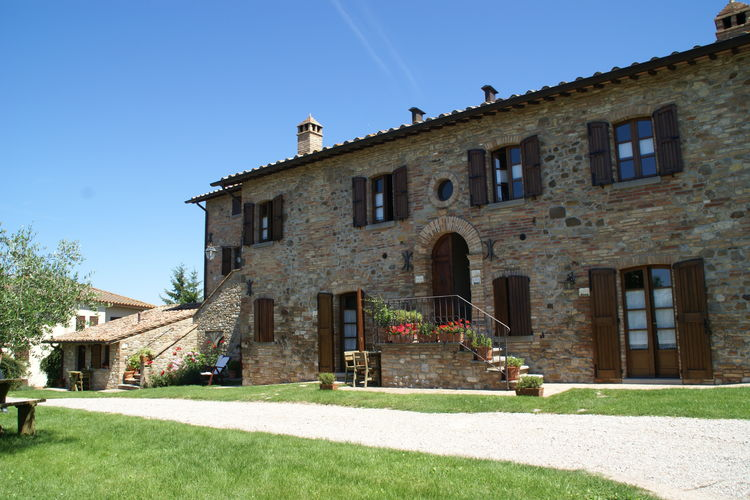Vakantiehuizen Italie | Umbrie | Vakantiehuis te huur in Montone met zwembad  met wifi 6 personen