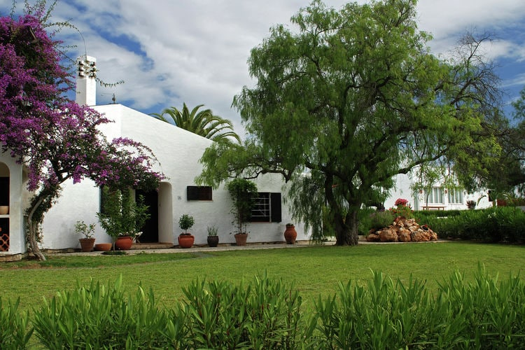 Algarviaanse bungalow op groen vakantiepark met vele voorzieningen en zwembad