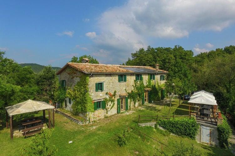 Vakantiehuis met zwembad met wifi  GubbioAgriturismo Il Palazzo Tre