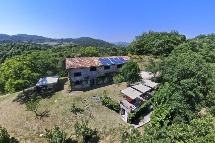 Vakantiehuis met zwembad met wifi  GubbioAgriturismo Il Palazzo  Uno