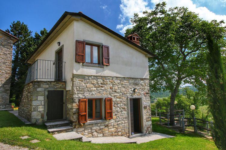 Vakantiehuizen Italie | Toscana | Appartement te huur in Caprese-Michelangelo met zwembad  met wifi 4 personen