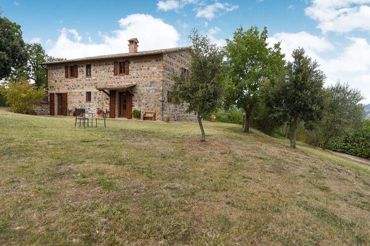 Vakantiehuizen Italie | Toscana | Vakantiehuis te huur in Radicofani-Siena met zwembad  met wifi 6 personen