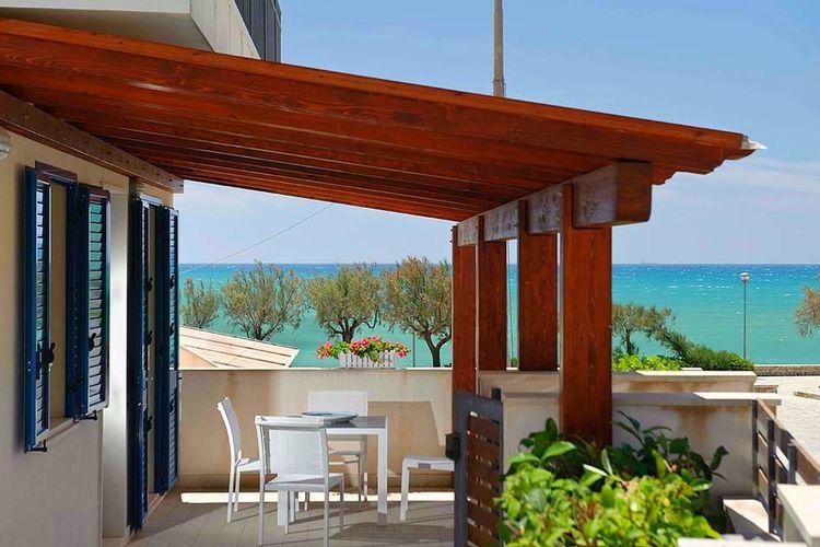 Vakantiewoning huren in Marina-di-Modica -   met wifi  voor 5 personen  Dit appartement op de eerste verdi..