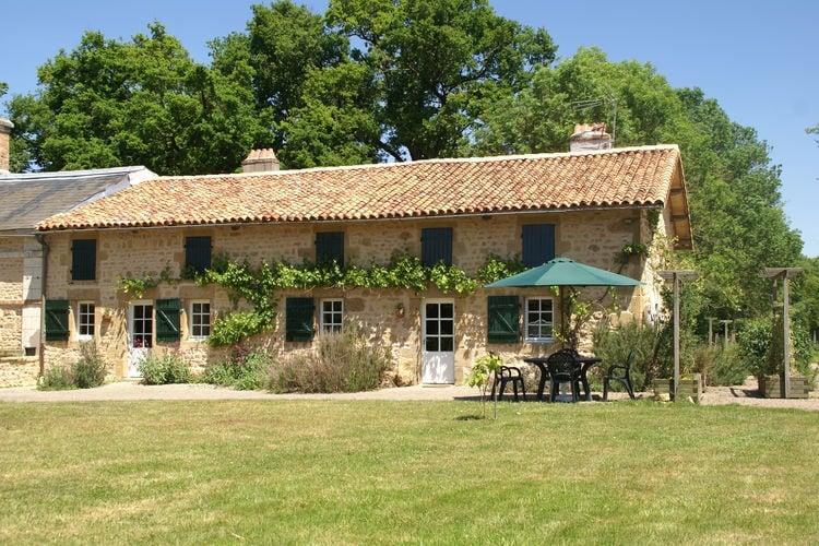 Frankrijk | Pays-de-la-loire | Vakantiehuis te huur in Pressac met zwembad   4 personen