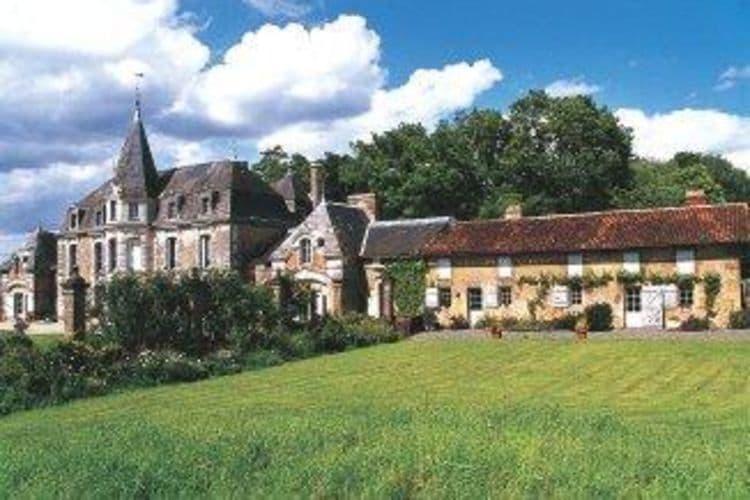 Pays de la loire Vakantiewoningen te huur Prachtig kasteel op unieke locatie in Pressac, met een gezamelijk zwembad