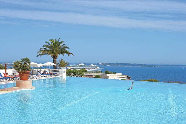 CANNES Vakantiewoningen te huur Mooie studio voor 4-5 personen op résidence met zwembad bij Cannes (3 km)