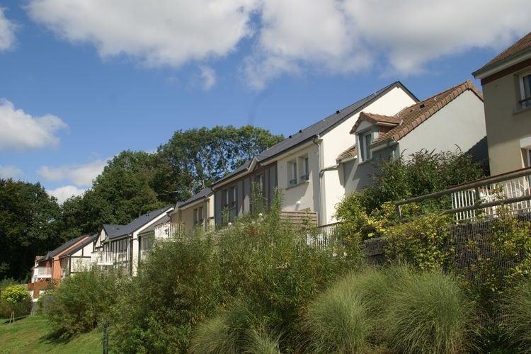 Appartement met zwembad met wifi  BranvilleNormandy Garden 6