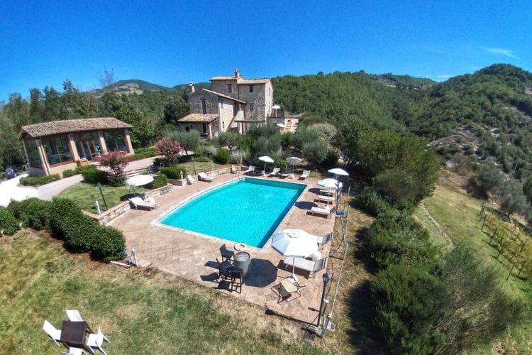 Assisi Vakantiewoningen te huur Prachtig appartement met gezamenlijk zwembad en mooi uitzicht bij Assisi