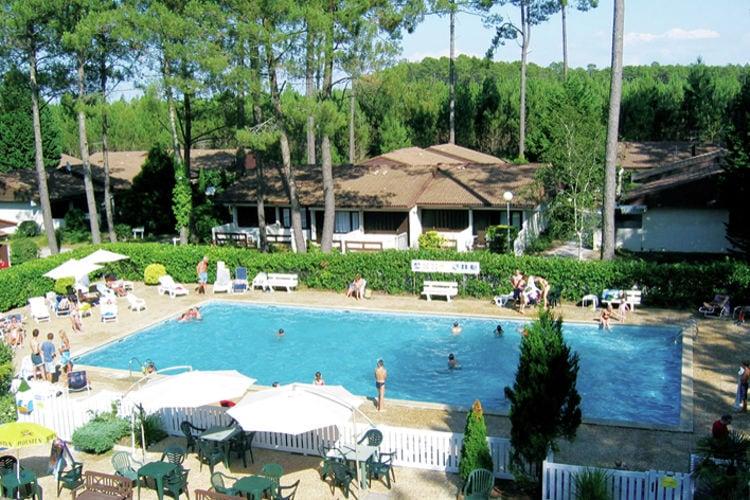 Bungalow met zwembad met wifi  Lit-Et-Mixe  Tweekamerbungalow op een autovrij vakantiepark slechts 7 km van de kust