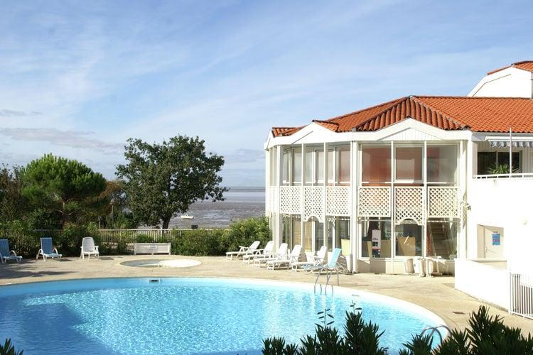 Appartement met zwembad met wifi  FourasLes Terrasses de Fort Boyard 4