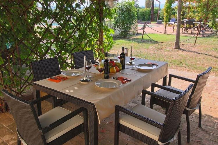 Vakantiehuizen Italie | Umbrie | Vakantiehuis te huur in Foligno-Loc-Tenne met zwembad  met wifi 3 personen