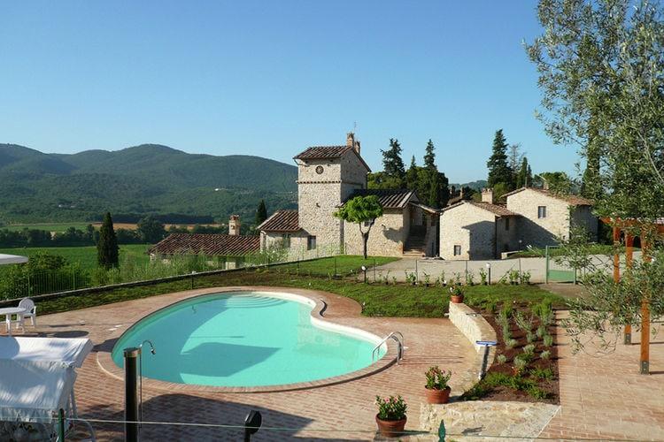 Appartement huren in Umbrie - met zwembad  met wifi met zwembad voor 4 personen  Dit appartement (op de begane gron..
