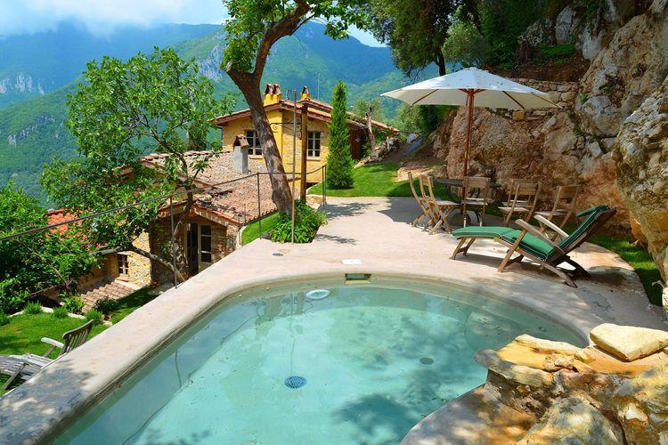 Vakantiehuizen Italie | Toscana | Vakantiehuis te huur in Camaiore met zwembad  met wifi 4 personen