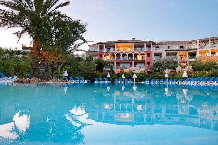 Les-Issambres Vakantiewoningen te huur Mooie en nette studio voor 4-5 personen in het hart van de Côte d'Azur