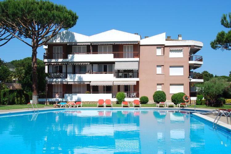 Appartement met eigen terras en gedeeld zwembad in Calella de Palafrugell