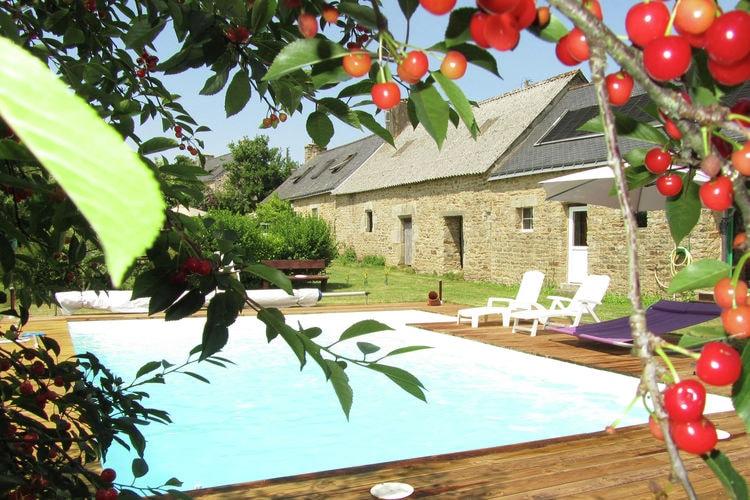 Bretagne Vakantiewoningen te huur Vrijstaand vakantiehuis met privézwembad en sauna bij Quimperlé in Bretagne
