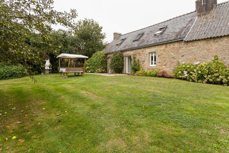 Vakantiehuizen Frankrijk | Bretagne | Vakantiehuis te huur in Querrien met zwembad  met wifi 6 personen