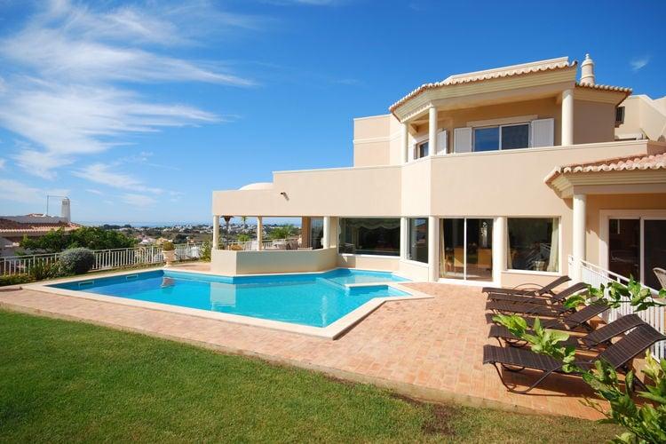 Albufeira Vakantiewoningen te huur Riante LUXE villa met privé-zwembad en tuin nabij Albufeira en strand.